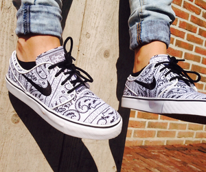 fasion, nike, and shoes image
