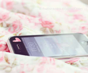 iphone, pink, and pastel image