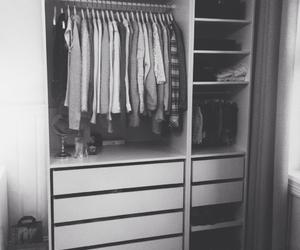 b&w, closet, and inspo image