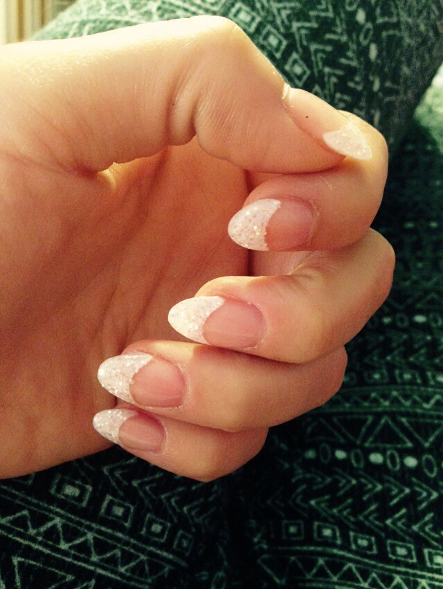 Almond Shaped Nails discovered by Leslie on We Heart It