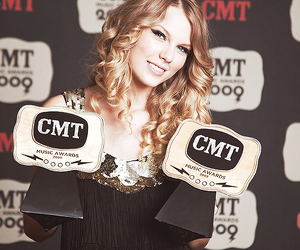 cmt awards and Taylor Swift image