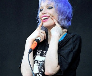 Alice Glass, smile, and blue hair image