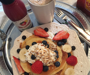 blueberries, breakfast, and cream image