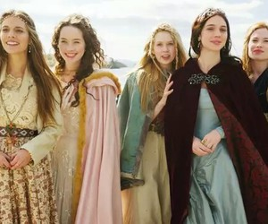 reign, kenna, and Lola image