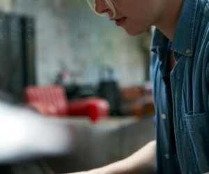 tom odell, piano, and music image