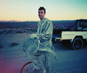 coldplay, paradise, and Chris Martin image