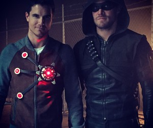 arrow, oliver queen, and cousins image