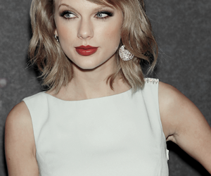 Taylor Swift image