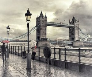 london, rain, and photography image