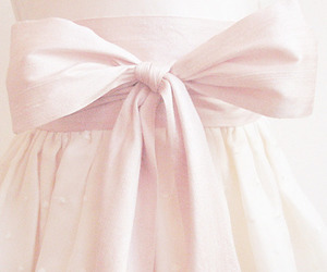 girly, pale, and skirt image