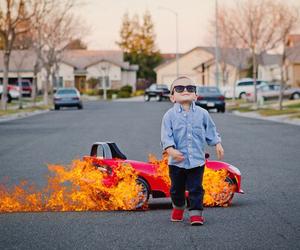 car and kids image
