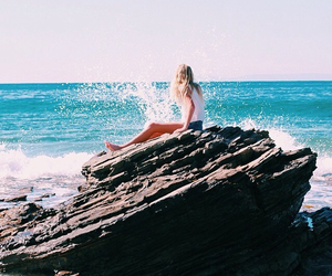 girl, summer, and waves image