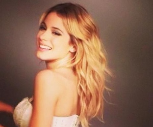 makeup, tinistoessel, and smile image