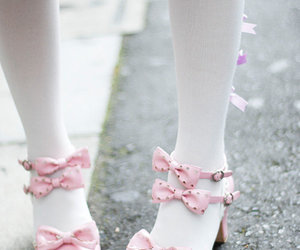 bows, feet, and legs image