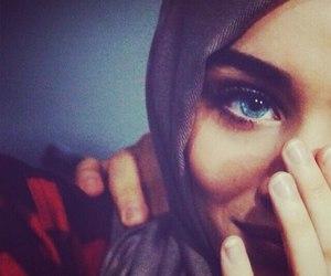 hijab and eyes image