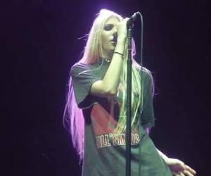 concert, grunge, and Taylor Momsen image