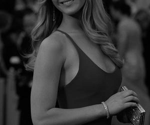 Jennifer Lawrence and hunger games image