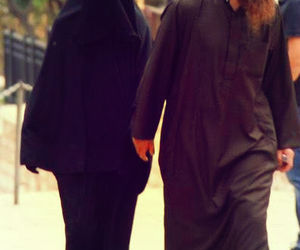 niqab, muslim couple, and love image