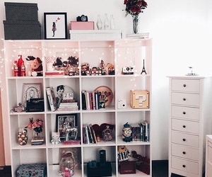 accessories, cubes, and shelf image
