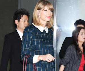 instyle, Taylor Swift, and streetstyle image