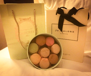 paris and jo malone image