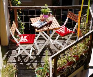 balcon and spring image