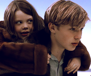 georgie henley, lucy pevensie, and william moseley image