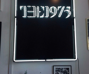 band, the 1975, and grunge image