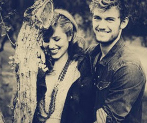 dianna agron, alex pettyfer, and couple image