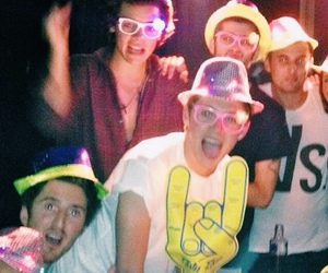 japan, niall horan, and Harry Styles image