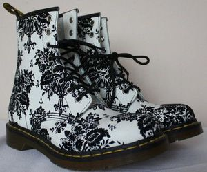 boots, OMG, and combat boots image