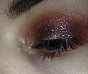 makeup, eyes, and glitter image