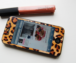 iphone, smashbox, and leopard image