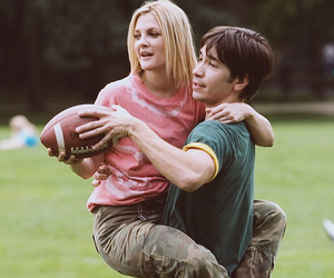 drew barrymore, justin long, and amor a distancia image