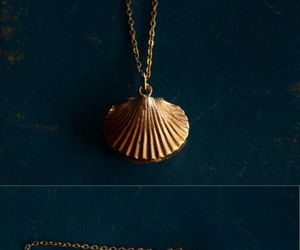 fantasy, golden, and seashell image