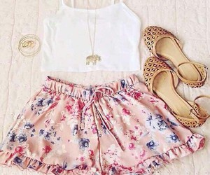 outfit, floral, and top image