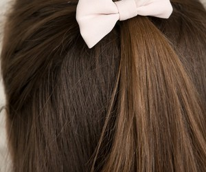 bow, brandymelville, and hairstyle image