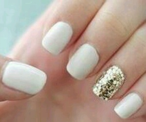 white and gold nails image