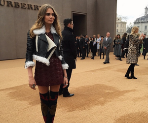 cara delevingne, Burberry, and fashion image