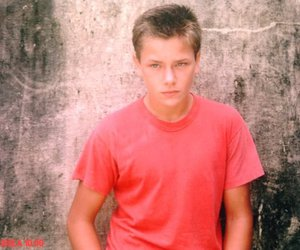 down, river phoenix, and stand by me image