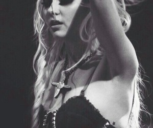 Taylor Momsen, the pretty reckless, and momsen image