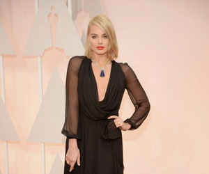 margot robbie, actress, and red carpet image