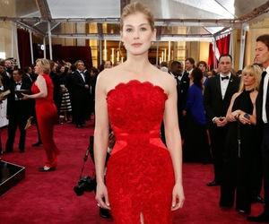 oscar, red carpet, and rosamund pike image