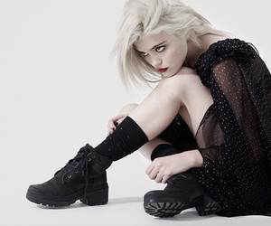 sky ferreira and white image
