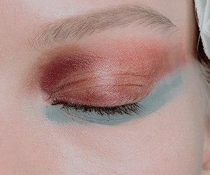 alien eyeshadow image