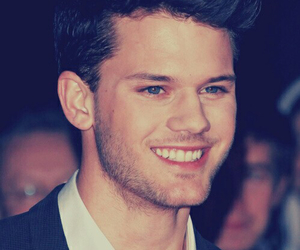 boy, jeremy irvine, and sexy image