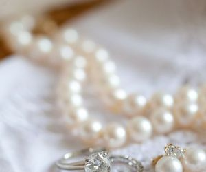 pearls, jewellery, and accessories image