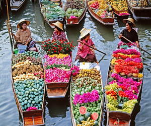 asian, flor, and barco image