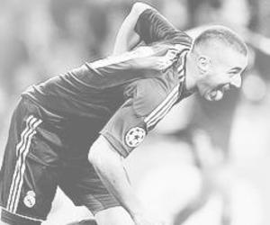real madrid, the lion, and karim benzema image