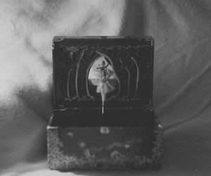 vintage, music box, and ballerina image